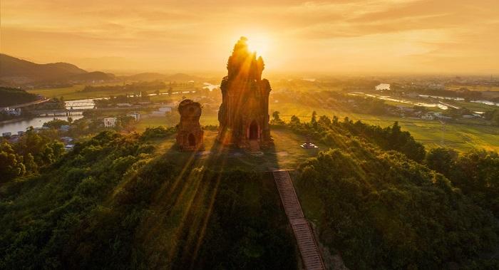 Tháp Bánh Ít - Qui Nhơn