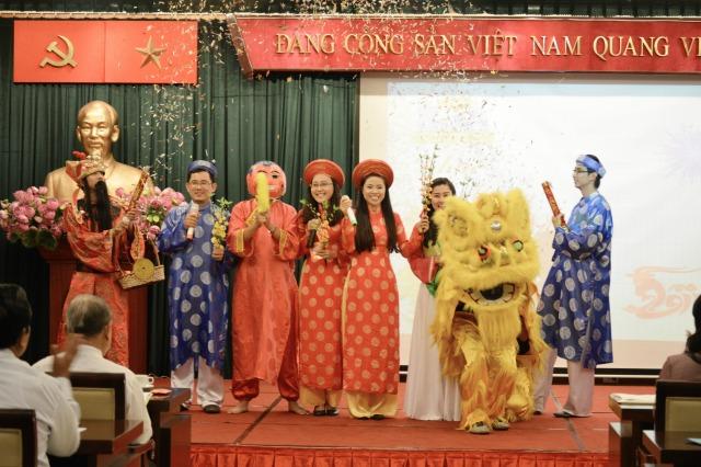Liên khúc mùa xuân của Phần Mềm Vàng tại hội nghị thường niên 2015